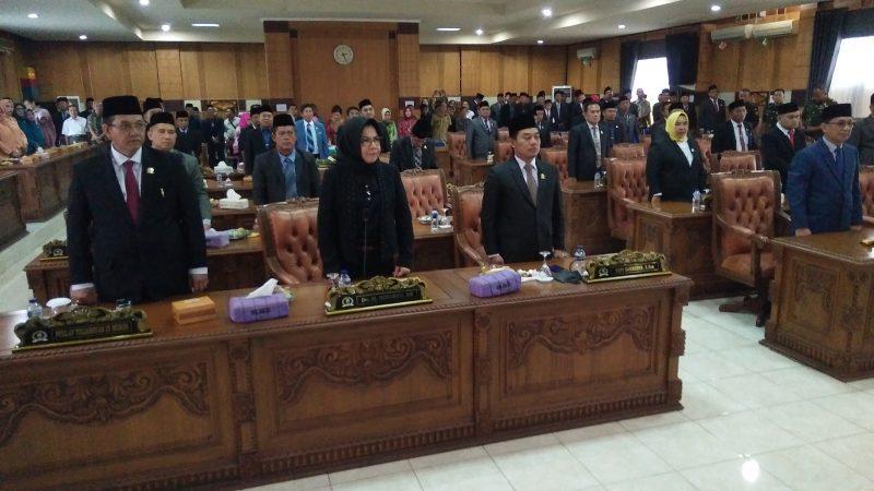 Photo anggota DPRD OKU dan para OPD, Kabag dilingkungan Pemkab serta undangan yang menghadiri pelantikan ketua DPRD tahun 2019 - 2024